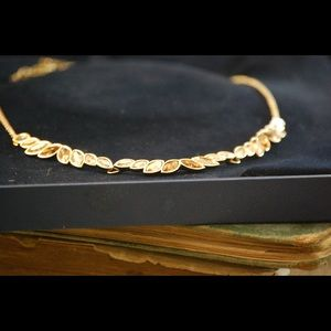 Swarovski Crystal GoldPlated Classic Necklace new